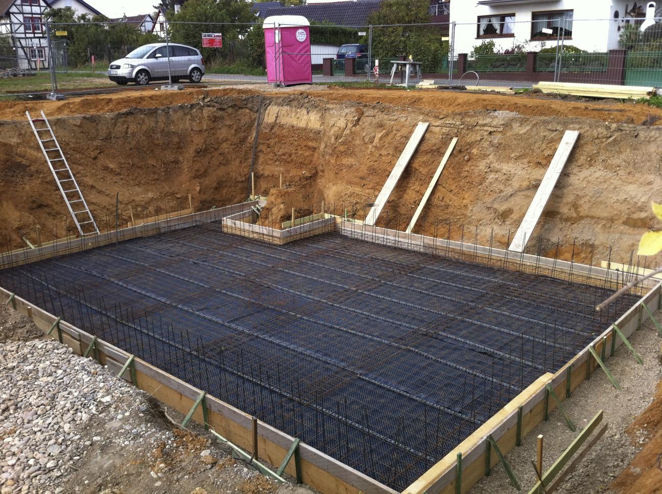 Bekannt Bewehrung für Bodenplatte Kellergeschoss fast fertig – 26.09.2011 HI51