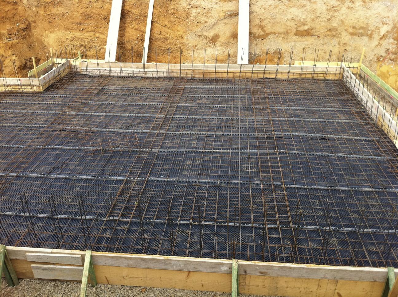 Gut gemocht Bewehrung für Bodenplatte Kellergeschoss fast fertig – 26.09.2011 SL27